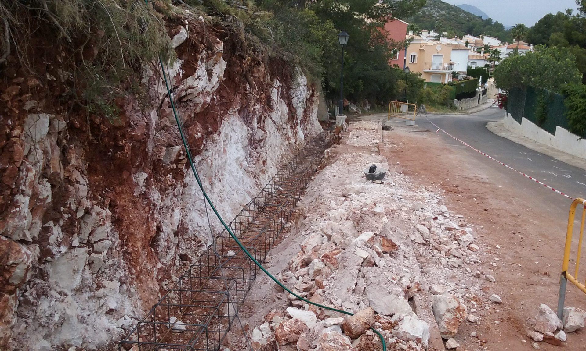 Muro de contención a un chalé en montaña > 20160505 120042