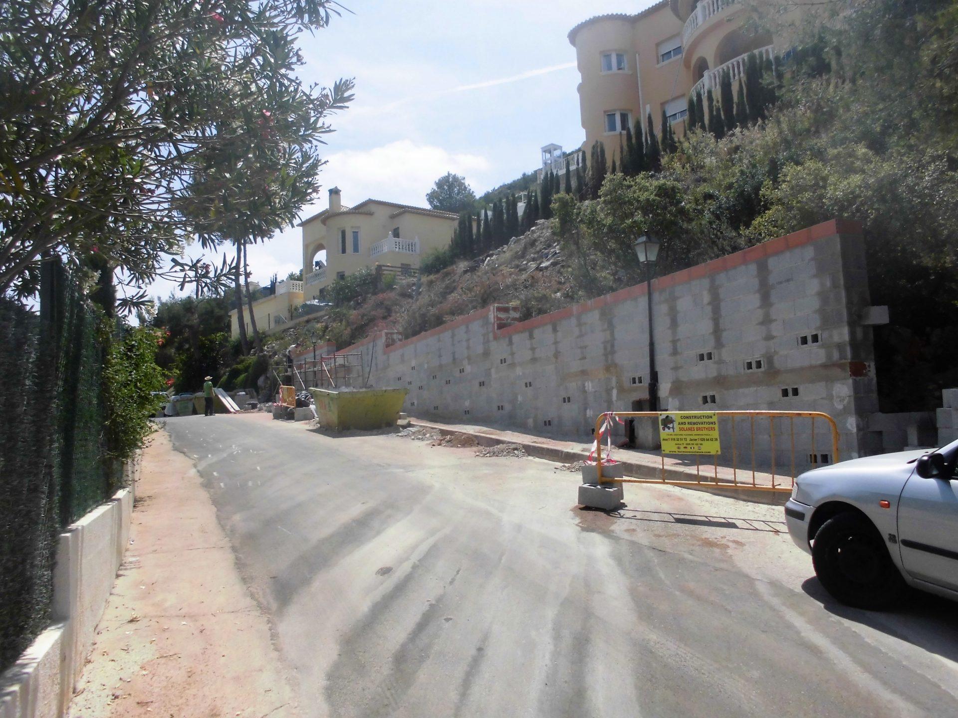 Muro de contención a un chalé en montaña > CIMG0555 2