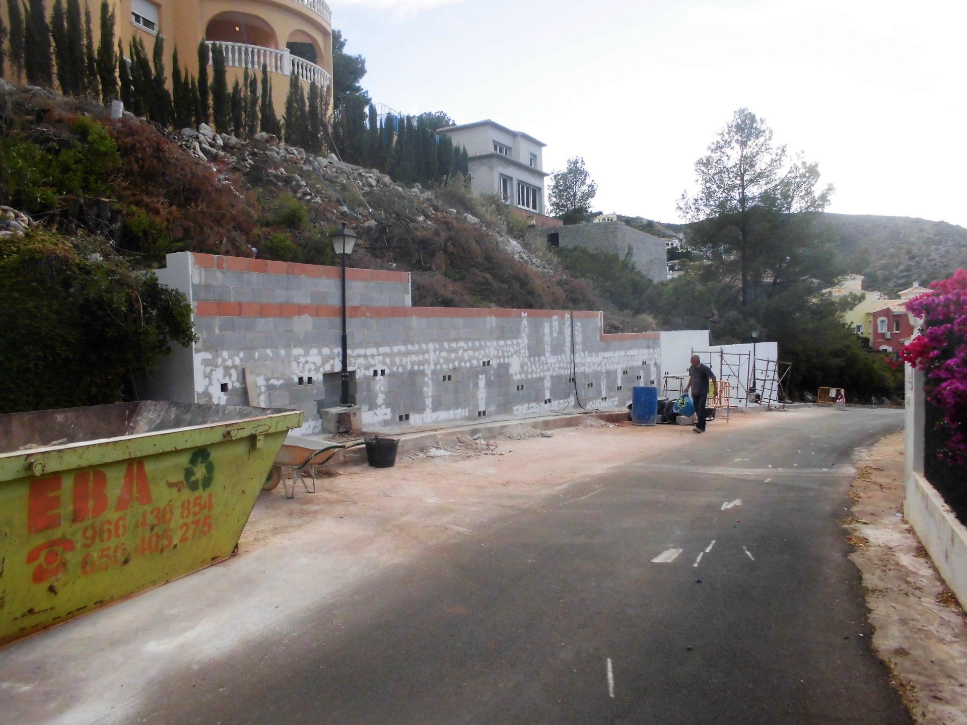 Muro de contención a un chalé en montaña > CIMG0561 2
