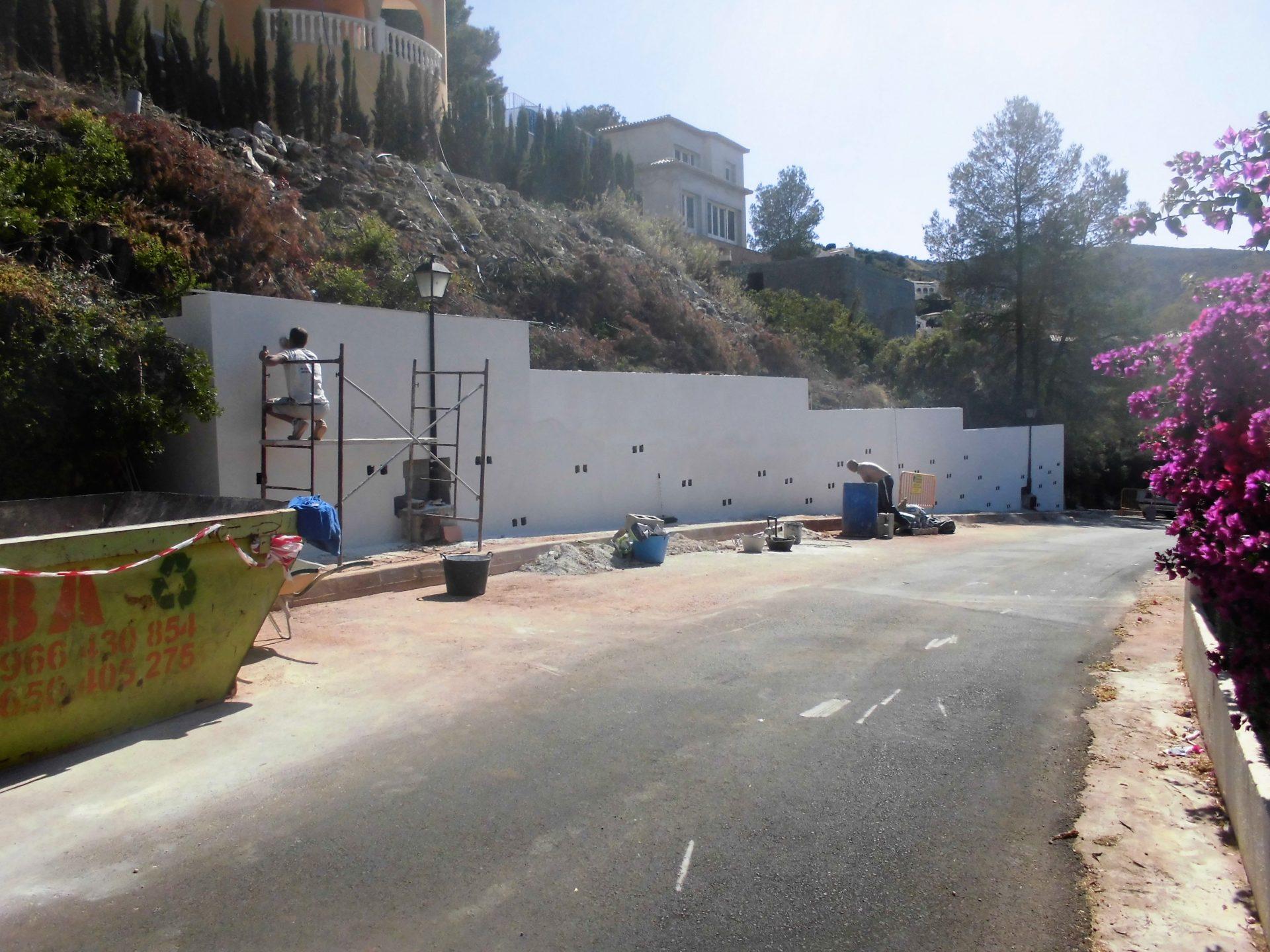 Muro de contención a un chalé en montaña > CIMG0562 2