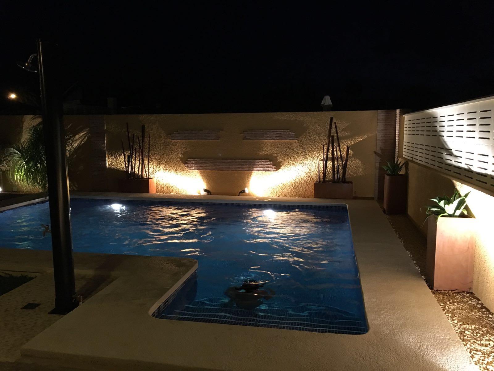 Das neu gebaute Pool